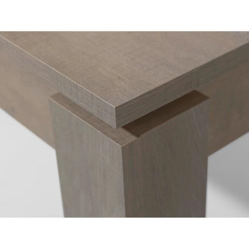Table Lyna